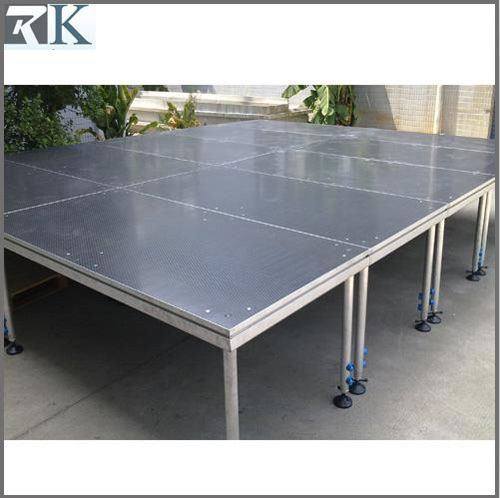 Aluminum portable event stage