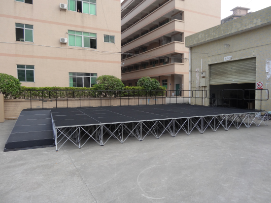 Portable stage design for outdoor stage events