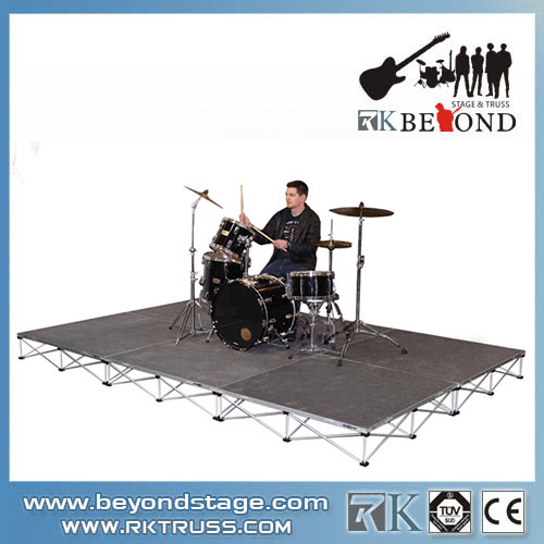 Mobile stage design for playing drums