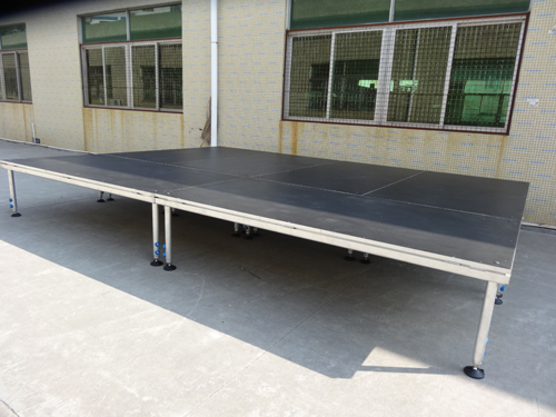 Aluminum 4-legs portable stage for sale