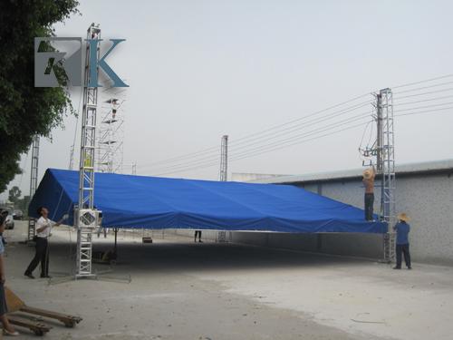 Global spigot steel stage truss displays