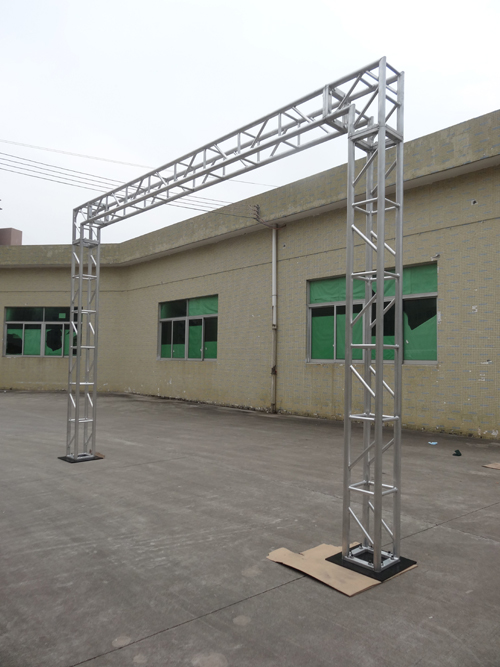 Bolt stage truss system used for stage events